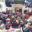 Armie Hammer et sa femme Elizabeth Chambers ainsi que leur fille Harper fêtent Noël en famille / photo postée sur Instagram, à la fin du mois de décembre 2015.