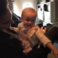 Armie Hammer fête le 1er anniversaire de sa fille Harper qui a déjà effectué 44 trajets en avion au cours de sa courte existence / photo postée sur Instagram, au début du mois de décembre 2015.