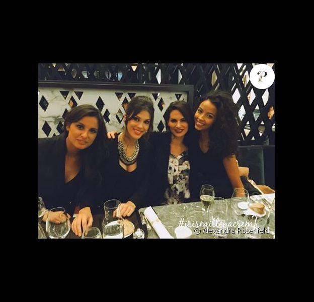 Iris Mittenaere entourée des ex-Miss France, le 8 janvier 2016 au Café de l'Homme à Paris.