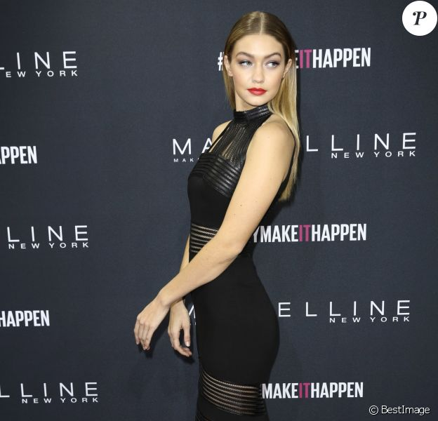 Gigi Hadid - People au défilé Maybelline pendant la Mercedes-Benz fashion week de Berlin le 18 janvier 2016