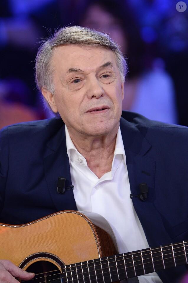 """Salvatore Adamo - Enregistrement de l'émission """"Vivement Dimanche"""" à Paris le 18 Mars 2015."""