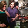 Alexandra Rosenfeld et Jean Imbert en cuisine à L'Acajou le jour de la Saint-Valentin en février 2014