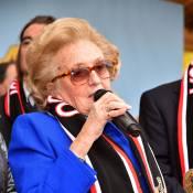 Bernadette Chirac : Energique et souriante avec les enfants niçois...