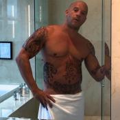 Vin Diesel, quasi nu, bodybuildé et tatoué : Le héros de xXx en fait-il trop ?