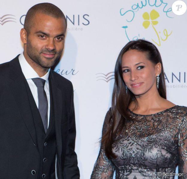 """Tony Parker et sa femme Axelle lors du """"Par Coeur Gala"""" à Lyon le 25 septembre 2014"""