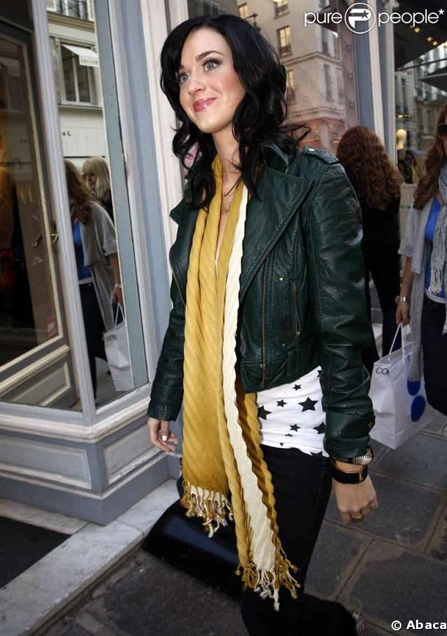 http://static1.purepeople.com/articles/4/17/21/4/@/86366-katy-perry-637x0-1.jpg