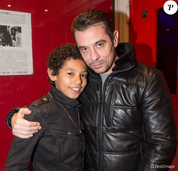 """Kool Shen (Bruno Lopes) et son fils Giani - Avant-première du court métrage """"Une vie ordinaire"""" réalisé par Sonia Rolland au cinéma Mac Mahon à Paris, le 17 février 2016. ©Cyril Moreau/Bestimage"""