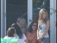 REPORTAGE PHOTOS : Jennifer Aniston, Courteney Cox et leurs amis réunis pour l'anniversaire de la fille de Borat !