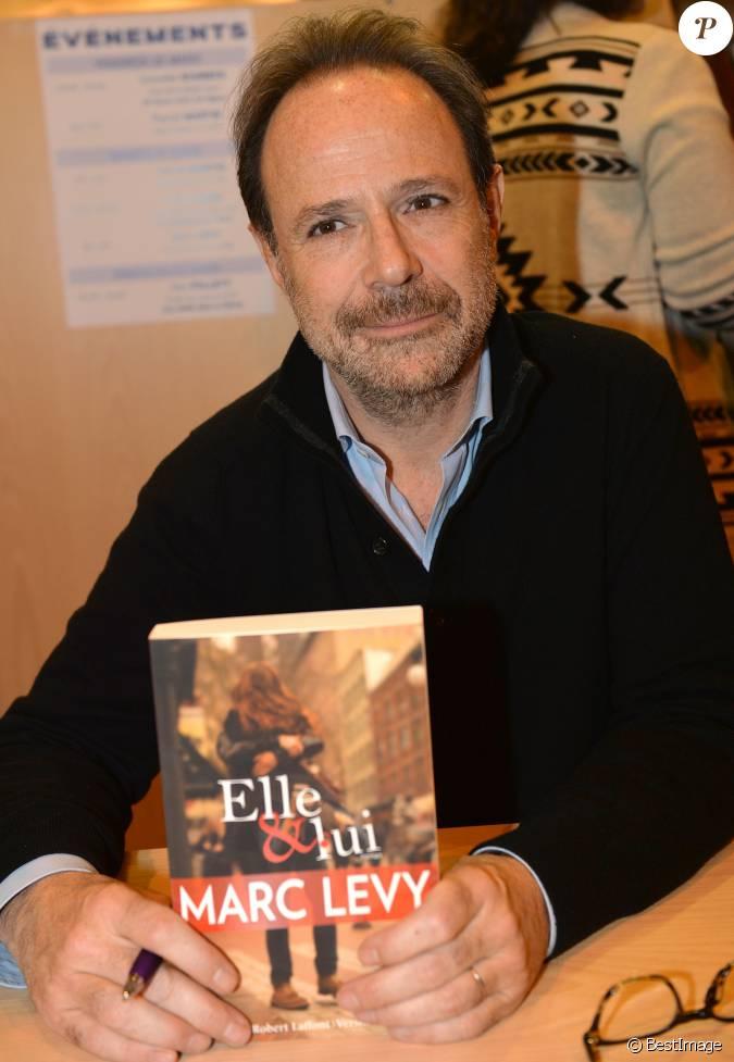 Marc levy lors du 35 me salon du livre la porte de - Salon du livre porte de versailles 2015 ...