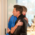 """""""Taylor Swift inaugure le nouveau studio de la fondation Ryan Seacrest à l'hôpital pour enfants de Nashville. Photo publiée sur Instagram, le 19 mars 2016."""""""