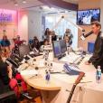 """""""Ryan Seacrest et Taylor Swift inaugure le nouveau studio multimédia de la fondation Ryan Seacrest à l'hôpital pour enfants de Nashville. Photo publiée sur Instagram, le 19 mars 2016."""""""