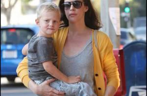 REPORTAGE PHOTOS : Liv Tyler fuit New York avec... son fils !