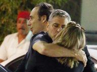 George Clooney : Une chaude étreinte avec une blonde...