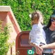 Exclusif - Kourtney Kardashian et Scott Disick se retrouvent le temps d'une après-midi au Studio Universal avec les enfants le 18 mars 2016.
