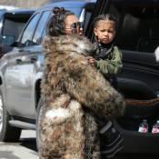 Les Kardashian à la montagne : Grand air et bain de foule pour Kim, Kanye and co