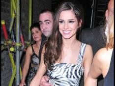 REPORTAGE PHOTOS : Cheryl Cole des Girl's Aloud, ton tatouage défendu n'est plus secret ! Ta robe est trop courte! (réactualisé)