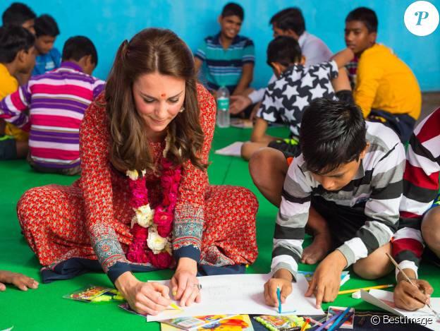 Kate Middleton en robe Glamorous le 12 avril 2016 à New Delhi.