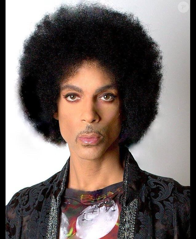 Photo de passeport de Prince (Prince Rogers Nelson) publiée le 11 février 2016.