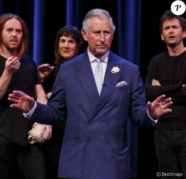 Le prince Charles est monté sur scène pour jouer Hamlet aux côtés des comédiens britanniques à l'occasion du 400e anniversaire de la mort de William Shakespeare lors d'une performance exceptionnelle (Shakespeare Live!) au Royal Shakespeare Theatre à Stratford-upon-Avon le 23 avril 2016.