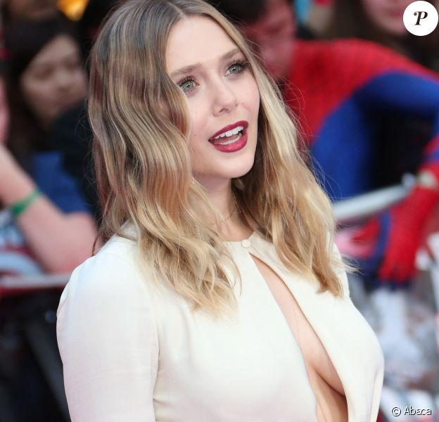 Elizabeth Olsen (robe Alexander McQueen) lors de la première de Captain America: Civil War au Vue Westfield, Londres, le 26 avril 2016.