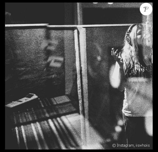 De retour en studio, Kesha a remercié le Dj Zedd de son soutien. Son nouveau single True Colors sortira le 29 avril 2016