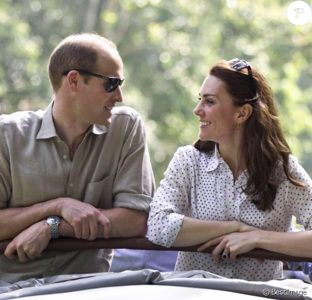 Le duc et la duchesse de Cambridge en safari lors de leur tournée royale en Inde et au Bhoutan en avril 2016. Kate Middleton et le prince William fêtent leurs 5 ans de mariage le 29 avril 2011.