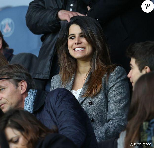 """Karine Ferri - People au match de football """"PSG - Rennes"""" au Parc des Princes à Paris. Le 29 avril 2016 © Cyril Moreau / Bestimage"""