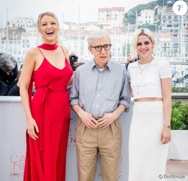 """Blake Lively (enceinte), Woody Allen, Kristen Stewart au Photocall du film """"Café Society"""" lors du 69ème Festival International du Film de Cannes le 11 mai 2016. © Borde-Moreau/Bestimage"""