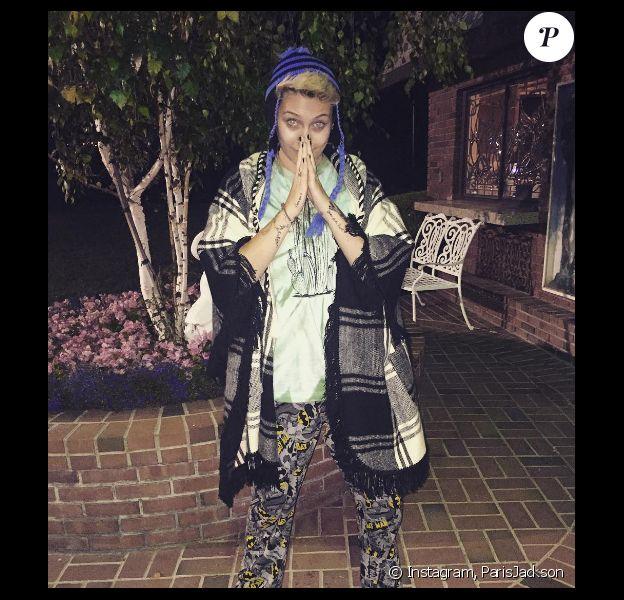 Paris Jackson, la fille du regretté Michael Jackson, dévoile un nouveau look étonnant. Photo publiée sur sa page Instagram au mois de mai 2016.