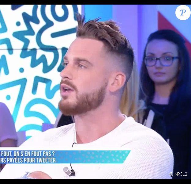 """Raphaël (""""Les Anges 8"""") dans le """"Mad Mag"""" sur NRJ12. Le 30 mai 2016."""