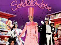 VIDEO : Le Soldat Rose reprend sa marche et vous attend au Palais...