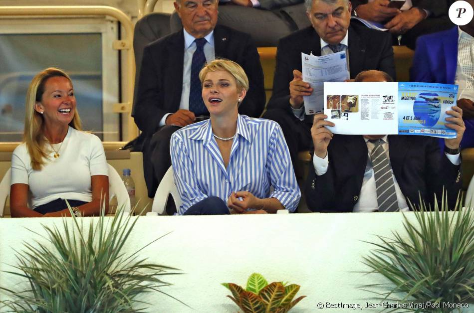 La princesse charlene de monaco avec son fr re gareth for Piscine stade louis 2