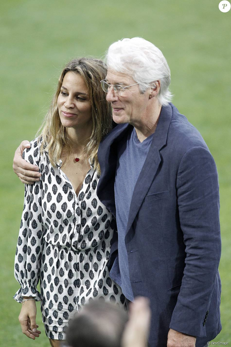 richard gere s jour marquant avec sa ch rie alejandra de 34 ans sa cadette purepeople. Black Bedroom Furniture Sets. Home Design Ideas