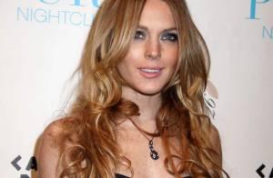 REPORTAGE PHOTOS : Lindsay Lohan joue la styliste, sous les yeux amoureux de sa chérie !