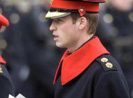 REPORTAGE PHOTOS : Le prince William, en grande tenue d'officier et entouré de la famille royale, chante la fin des coquelicots...