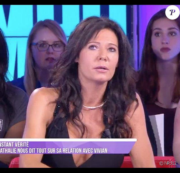"""Nathalie (Les Anges) révèle pourquoi elle hésite à attaquer son ex, Vivian, en justice. Emission le """"Mad Mag"""" sur NRJ12, le 15 juin 2016."""