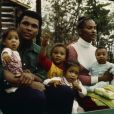 Muhammad Ali, son ex-épouse Khalilah Ali (née Belinda Boyd) et leurs quatre enfants.