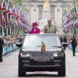 La reine Elisabeth II d'Angleterre et le prince Philip, duc d'Edimbourg - La famille royale d'Angleterre sur l'avenue The Mall à Londres à l'occasion du 90ème anniversaire de la reine 12 Juin 2016.