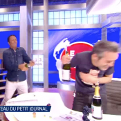 """Arthur rend visite en direct à Yann Barthès pour son dernier """"Petit Journal"""" !"""