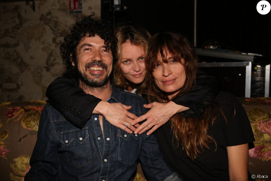 exclusive vanessa paradis yarol poupaud et caroline de maigret au concert de black minou. Black Bedroom Furniture Sets. Home Design Ideas