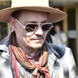 Johnny Depp sort du Grand Hôtel à Stockholm, le 31 mai 2016, où il a joué avec son groupe Hollywood Vampires, la veille.