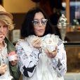 La chanteuse Cher sur le port de Saint tropez avec des amies, le 19 juin 2016. © Crystal/Bestimage