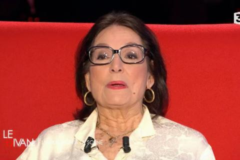 """Nana Mouskouri : """"C'est la nurse que mes enfants appelaient maman"""""""