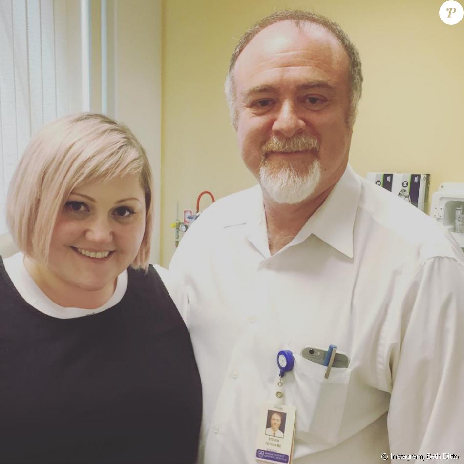 Beth Ditto après son opération sur les cordes vocales pratiquée par le docteur Zeitels il y a 5 jours à Boston, juin 2016.