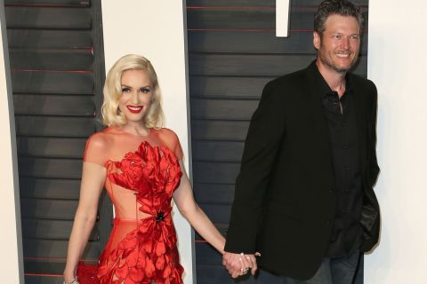 Gwen Stefani et Blake Shelton : Baisers langoureux et câlins à l'aéroport