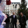 Exclusif - Richard Orlinski et François Vauglin (maire du XIème arrondissement) - En créant un Kong revisité en Bleu Blanc Rouge pour Risposte.paris destiné à être vendu aux enchères au profit du fond d'aides aux familles des victimes, l'artiste contemporain Richard Orlinski se mobilise après les attentats survenus le 13 novembre à Paris. L'oeuvre parcourera tout Paris afin que chacun puisse laisser un mot. Le 11 janvier 2016, la statue était placé sur le parvis de la mairie du XIème à Paris. © Marc Ausset Lacroix / Bestimage  Exclusive - For Germany Call For Price - No Web No Blog For Switzerland and Belgium - The sculpture, a Kong in Bleu Blanc Rouge of French artist Richard Orlinski dedicated for the victims of Paris terror attacks. Here in front of the City Hall of the XIst district in Paris on january 11, 2016. This sculpture will be auctioned to benefit victims.11/01/2016 - Pars