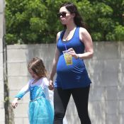 Megan Fox enceinte : De sortie avec son fils habillé en Reine des Neiges !