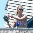 Gigi Hadid et Karlie Klossà la fête du 4 juillet organisé par Taylor Swift à Westerly, Rhode Island, le 4 juillet 2016.