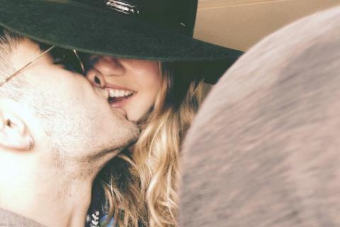 Gigi Hadid et Zayn Malik in love : Un selfie dégoulinant d'amour