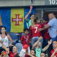 Cristiano Ronaldo Jr. (Fils de Cristiano Ronaldo), Dolores Aveiro (Mère de Cristiano Ronaldo), Katia Aveiro et Elma Aveiro (Soeurs de Cristiano Ronaldo) lors du match de la finale de l'Euro 2016 Portugal-France au Stade de France à Saint-Denis, France, le 10 juillet 2016. © Cyril Moreau/Bestimage